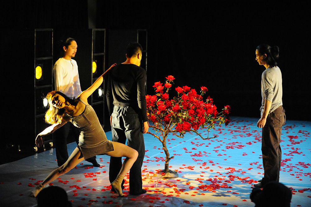 《以玫瑰之名》By The Name Of Rose摄影:王宁photo by WANG Ning.jpg